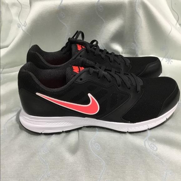 Zapatos Nike Mujeres Poshmark Downshifter 6 Corriendo Poshmark Mujeres 7091a3